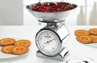 механические весы на столе